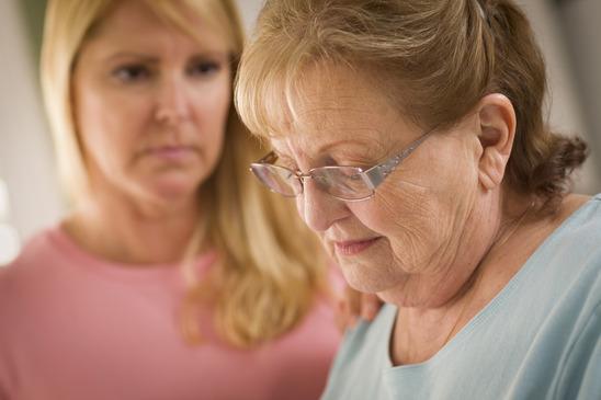 daughter-mother-conversation-senior-help